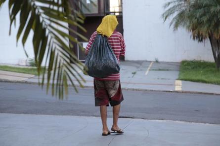 moradores_bairro_pedrossian_reclamam_moradores_de_rua_MJ-1